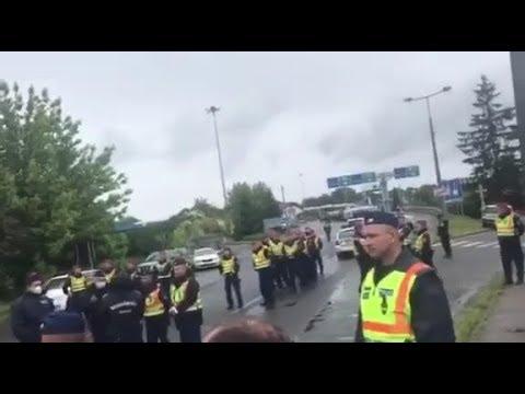 Чернівецький Промінь: Українців не можуть повернутися додому, на пункті пропуску утворилася черга у 3 км
