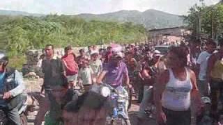 Violenta protesta de maleteros contra la Guardia Nacional de Venezuela bloqueó el puente internacional Simón Bolívar