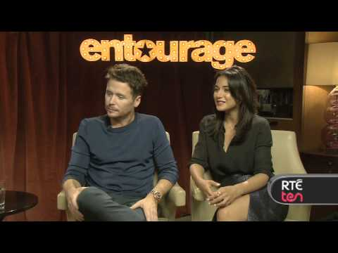 Entourage's Emmanuelle Chriqui and Kevin Connolly
