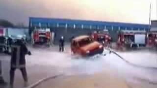 Пожарные сделали летающий автомобиль.