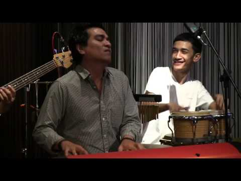 Tompi ft. Indra Lesmana - Balonku @ Mostly Jazz 26/10/12 [HD]