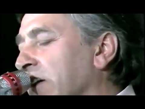 Spunta La Luna Dal Monte - Pierangelo Bertoli  Con I Tazenda Live 1991