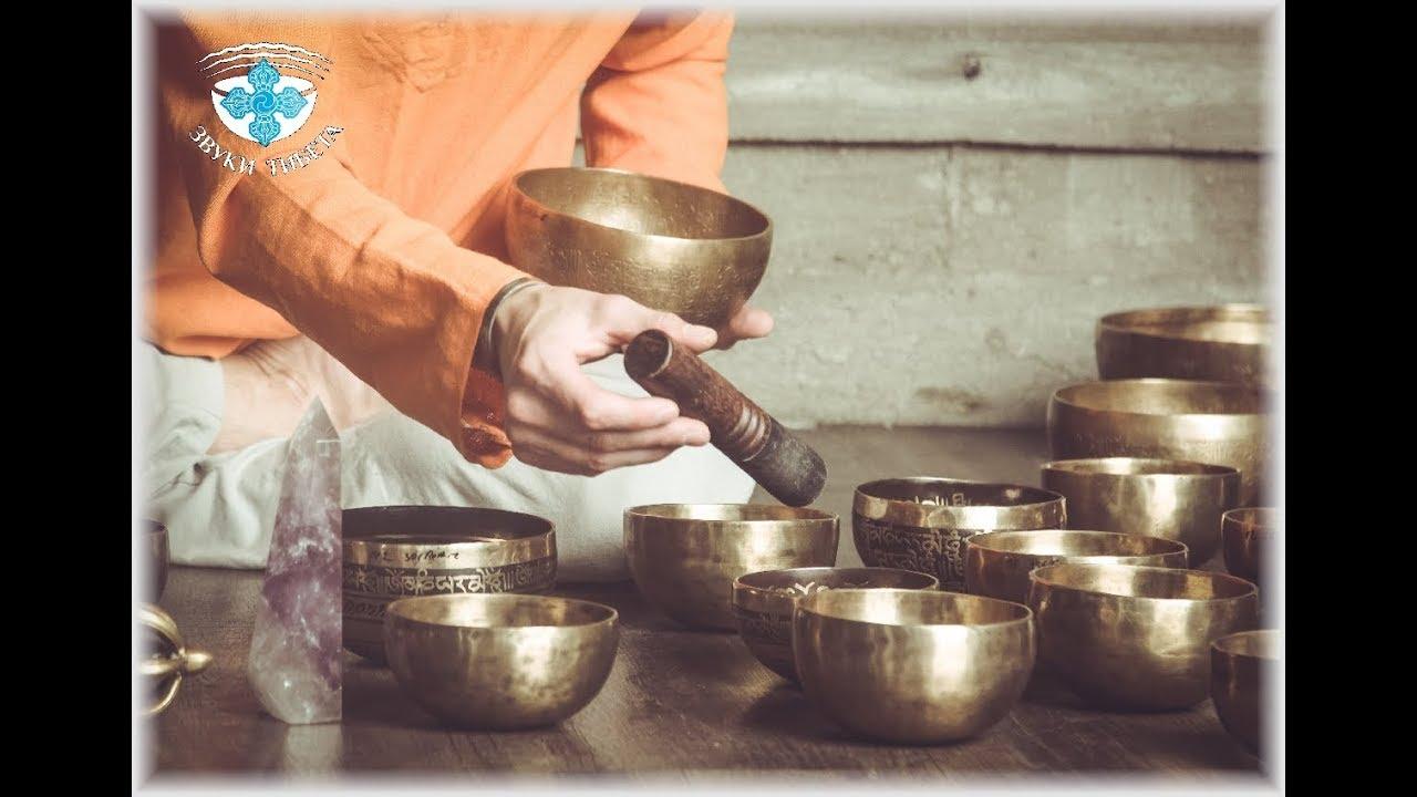 Это позволяет спокойно отыскать нужную вещь, поторговаться и купить. Особенно охотно туристы покупают тибетские поющие чаши для медитации.