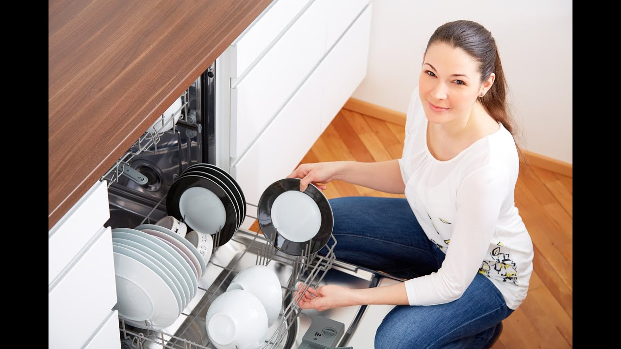 How to use a dishwasher youtube how to use a dishwasher howtobasic ccuart Images