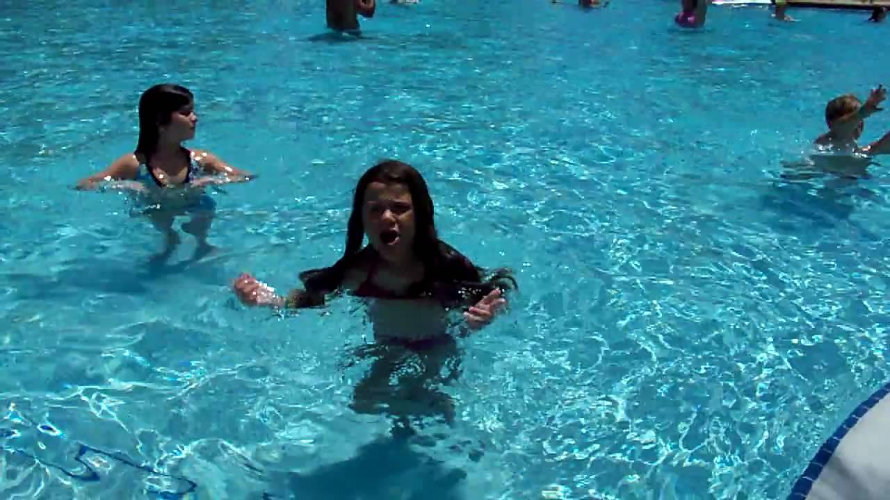Olivia 39 S Pool Dance Boom Boom Pow Youtube
