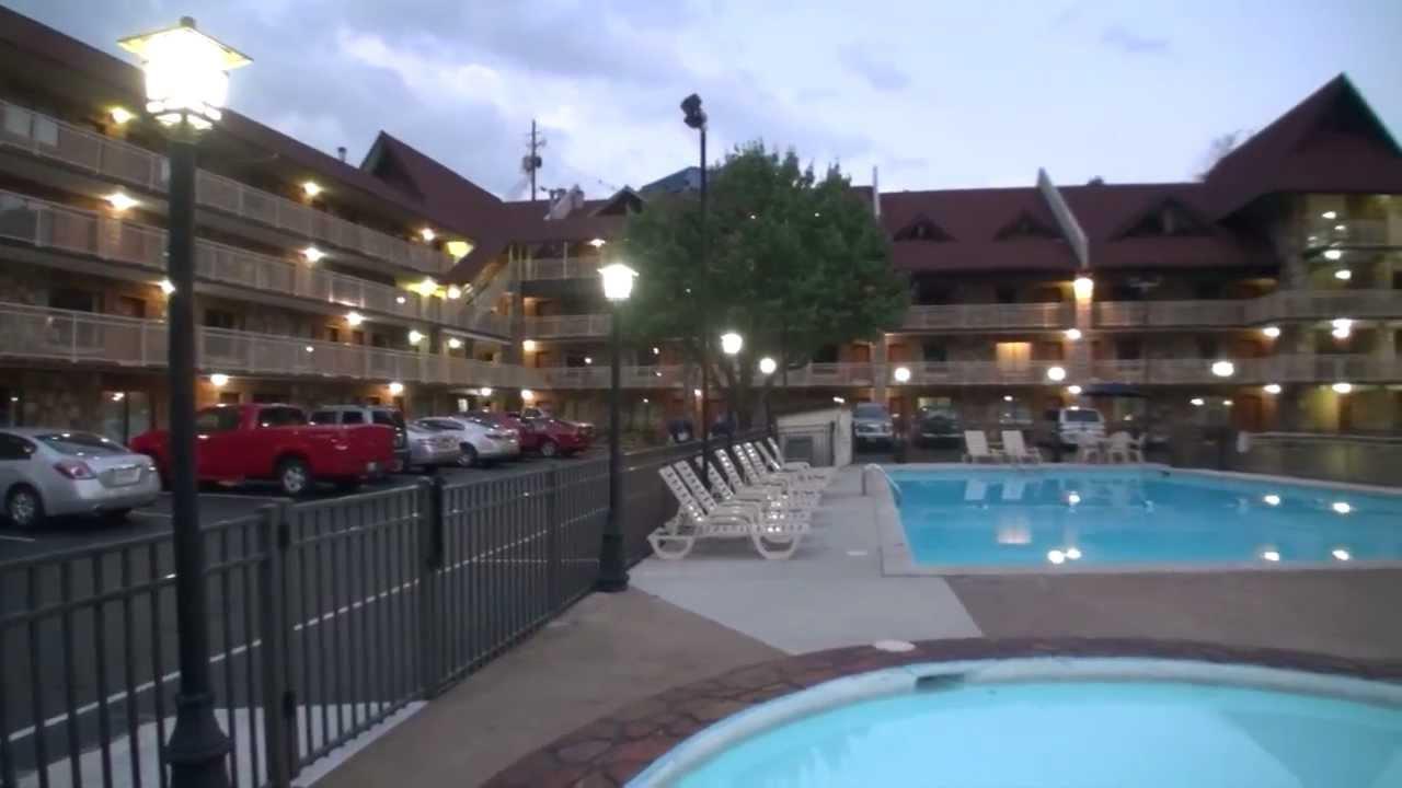 Downtown Gatlinburg Tn Hotel Best Western Crossroads Inn