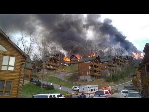 Wildfire Threatens Cabins in Pigeon Forge, Tennessee