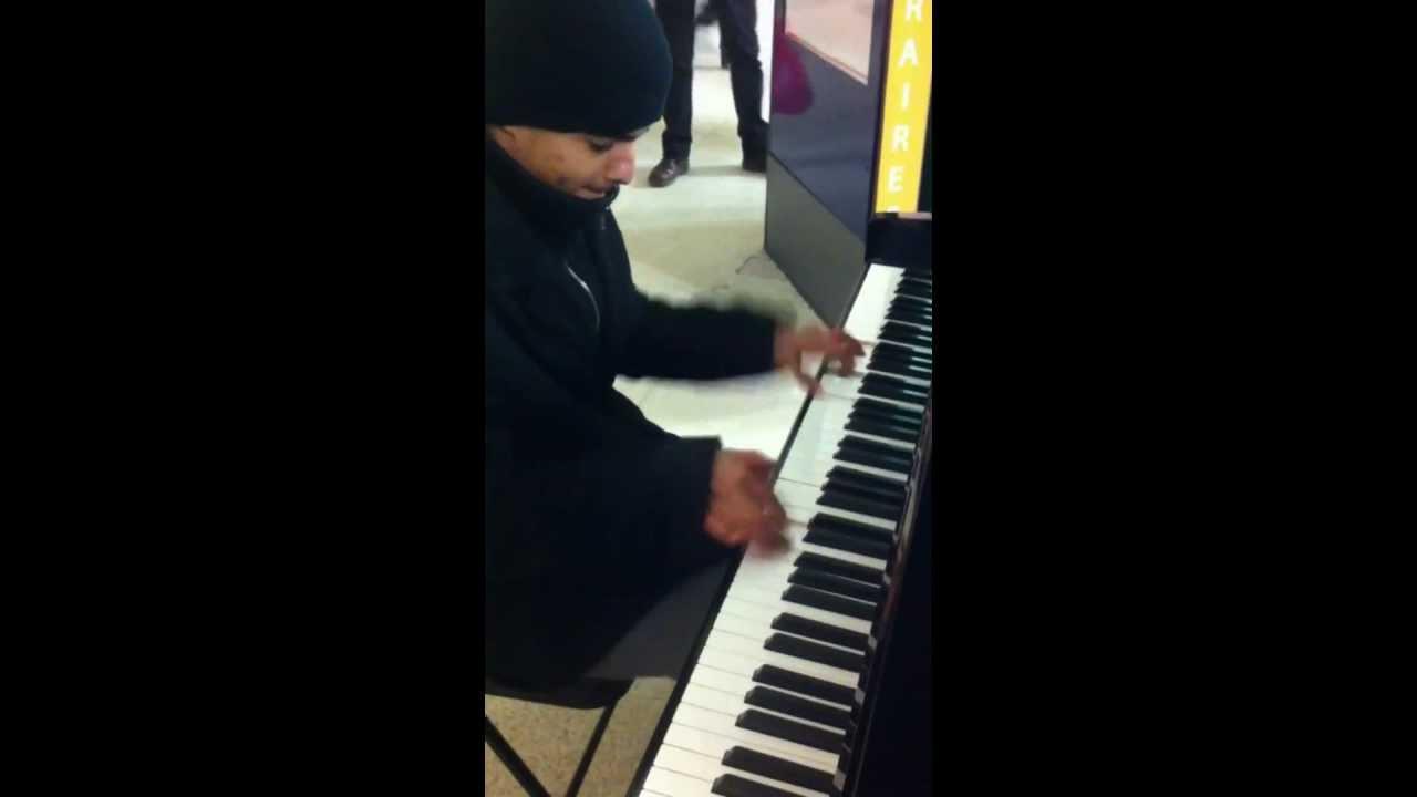 Vanessa Paradis et M La Seine Live Piano Cover By SedZik 78 Gare Versailles Chantiers - YouTube