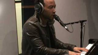 Everybody Knows: John Legend Live @ B-Side (Radio Deejay)