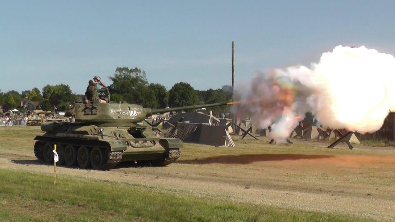 Soviet Tank T34 / 85 Blank Firing - Inc Slow Motion. War ...