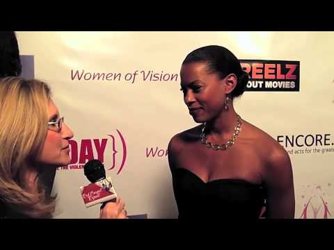 Kearran Giovanni 14th Annual A New Way of Life Fundraising Gala @KearranGiovanni