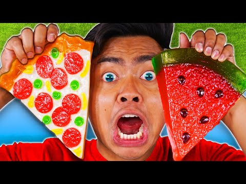 Download EATING ONLY GUMMY FOOD FOR 24 HOURS! Vs Real Food - Challenge Mp4 baru