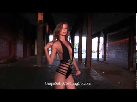 Beth Behrs dancingKaynak: YouTube · Süre: 19 saniye