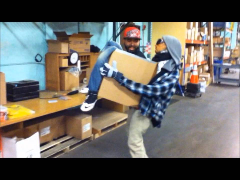 & Man in a box - ILLUSION COSTUME [Halloween] - YouTube