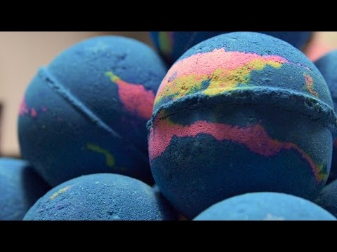 Thumbnail: Lush How It's Made: Intergalactic Bath Bomb