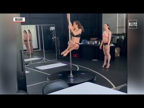 Jennifer Lopez a lezione di pole dance: a 49 anni più y che mai
