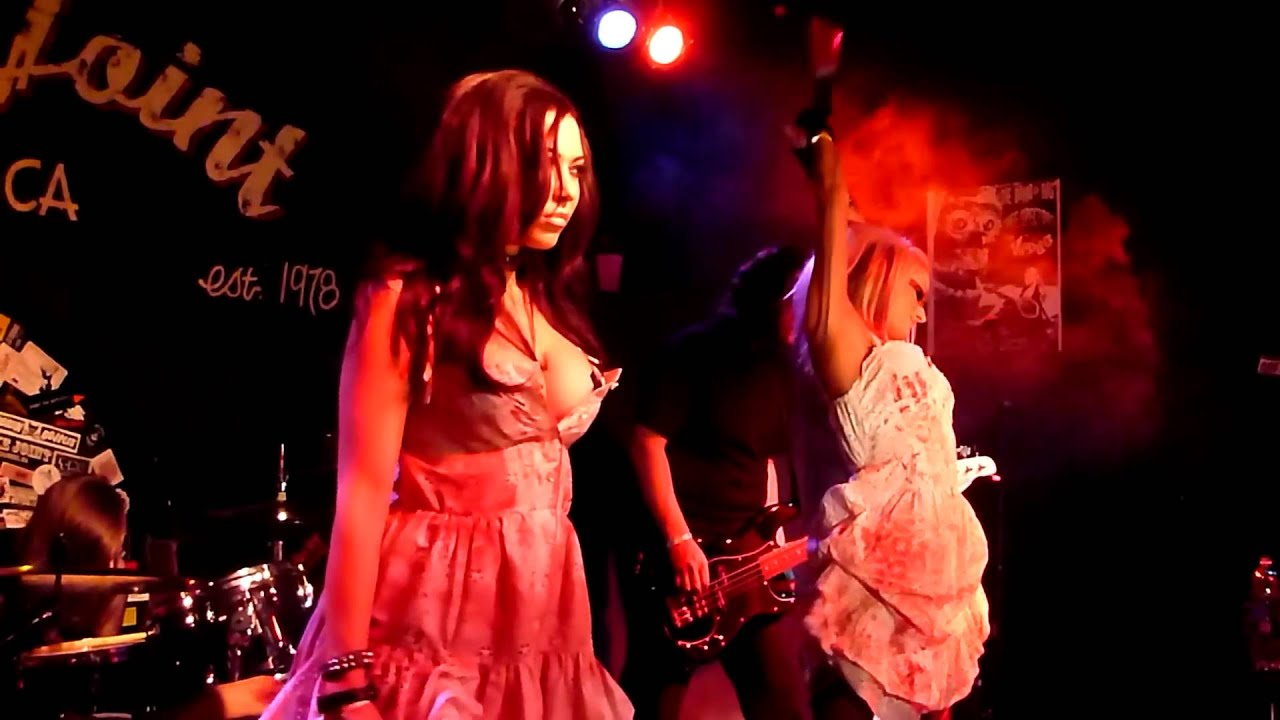 "Butcher Babies- ""Blonde Girls All Look The Same"" - YouTube"