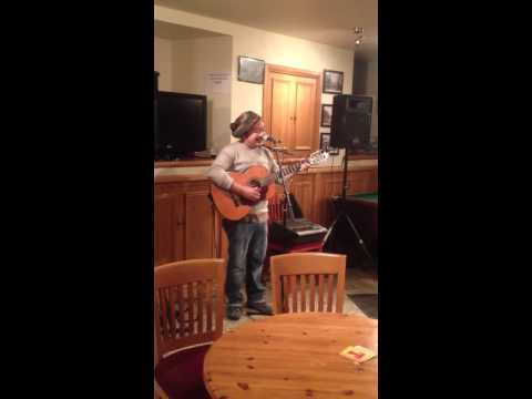 Andy Chung Kelty Clippie live at the Larachmhor