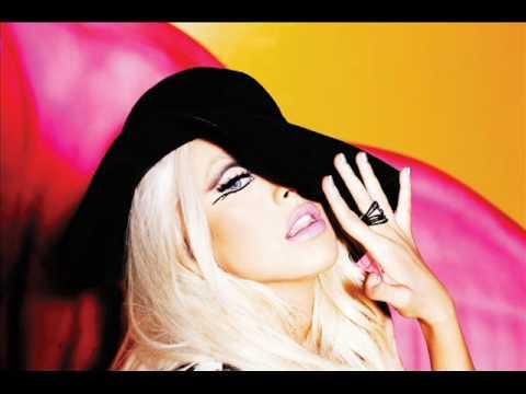 Christina Aguilera - Fallin In Love Again (Can