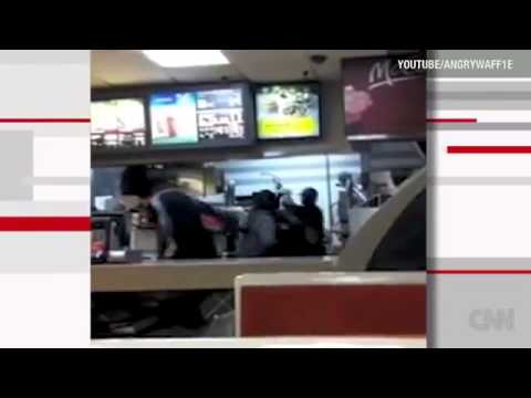 2 Women get beat by McDonald's Employee Over a Fake $50 bill  -pt. 2