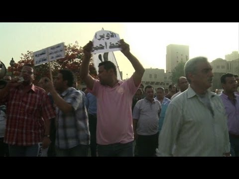 Protesters in Cairo call for culture minister's dismissal