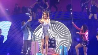 Concert Violetta  Live (Martina Stoessel) - 20 février 2015 - Paris, Zenith, Arrivée sur scène