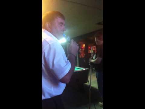 Dennis karaoke