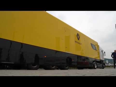 Renault F1 Race Trailer