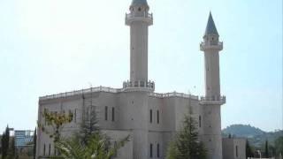 Ahmadiyya Muslime bauen größte Moschee in Albanien