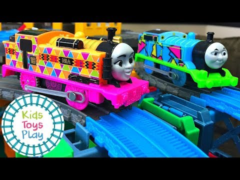 Thomas the Tank Engine Mystery Wheel Downhill Trackmaster Train Races