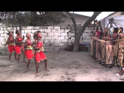 Traditional Congolese Dance - Ballet Arumbaya Ndendeli