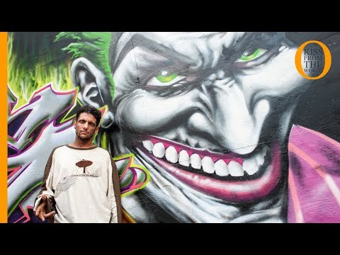 Graffiti art at 5 Pointz: street art NYC in an open air graffiti art gallery
