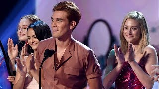 'Riverdale' Wins EVERYTHING at the 2018 Teen Choice Awards