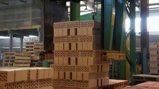 Производство кирпича. Часть 8. Продолжение... Укладка кирпича на поддоны.(Производство Волжского керамического кирпича. Часть 8., 2013-11-05T18:27:33.000Z)
