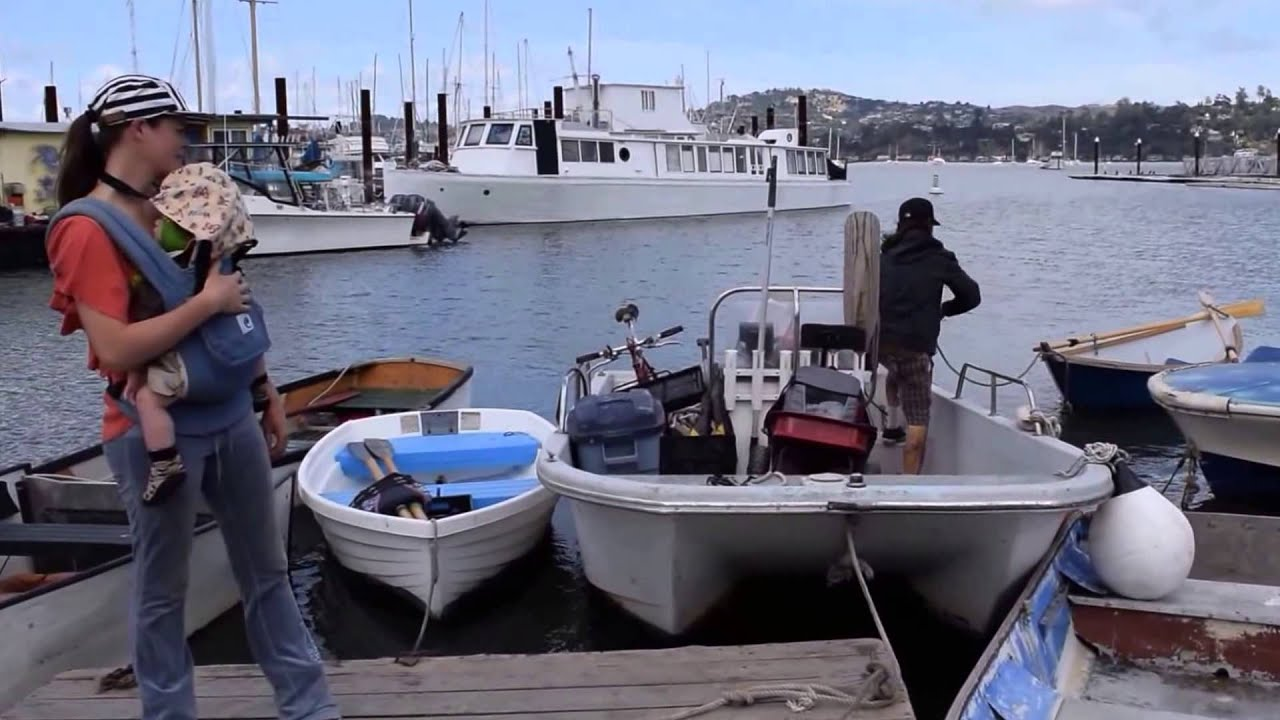 Living in SF rent free on a boat anchored out - Sausalito's finest - Minnie  and Kelly