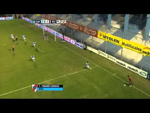 Panzada de goles: Cavenaghi hizo cuatro en la goleada de River en Rafaela