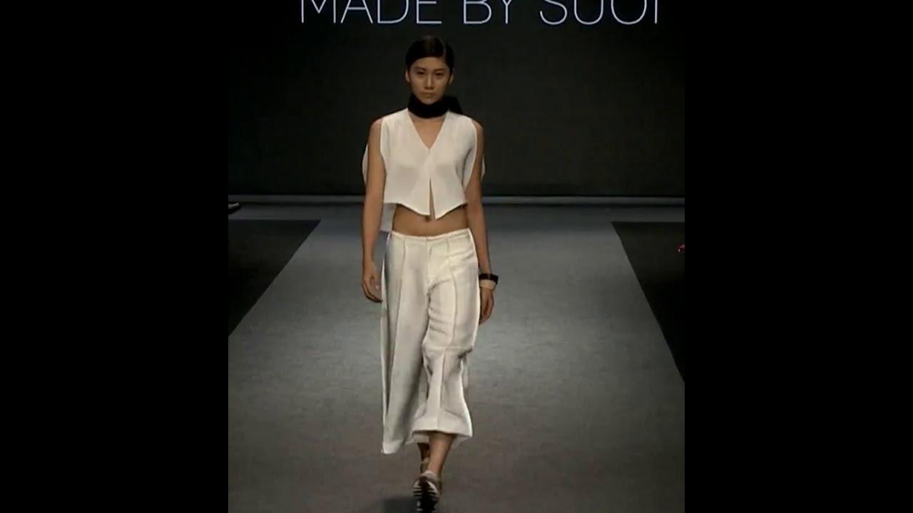 model-runway-nude
