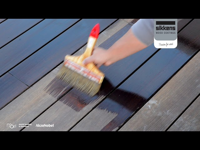 Moso Bamboo X-treme decking maintenance with Sikkens Cetol WF771