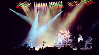 Queen - We Will Rock You (Fast) [High Definition]