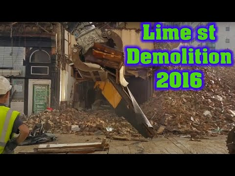 2nd day of the Irish Bar demolition in Lime St, Liverpool (McHales - Shamrock) 6-9-16