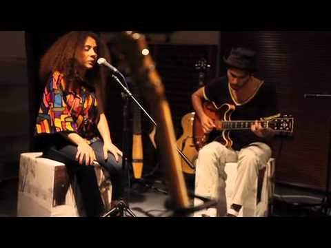 Elif Çağlar - You Got Me [The Roots ft. Erykah Badu Cover] / #akustikhane #sesiniac