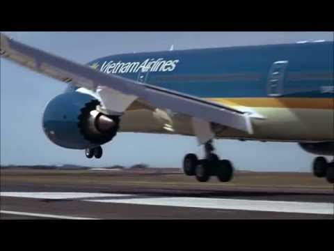 Increíble despegue en vertical de un avión comercial Boeing 787-9 Dreamliner