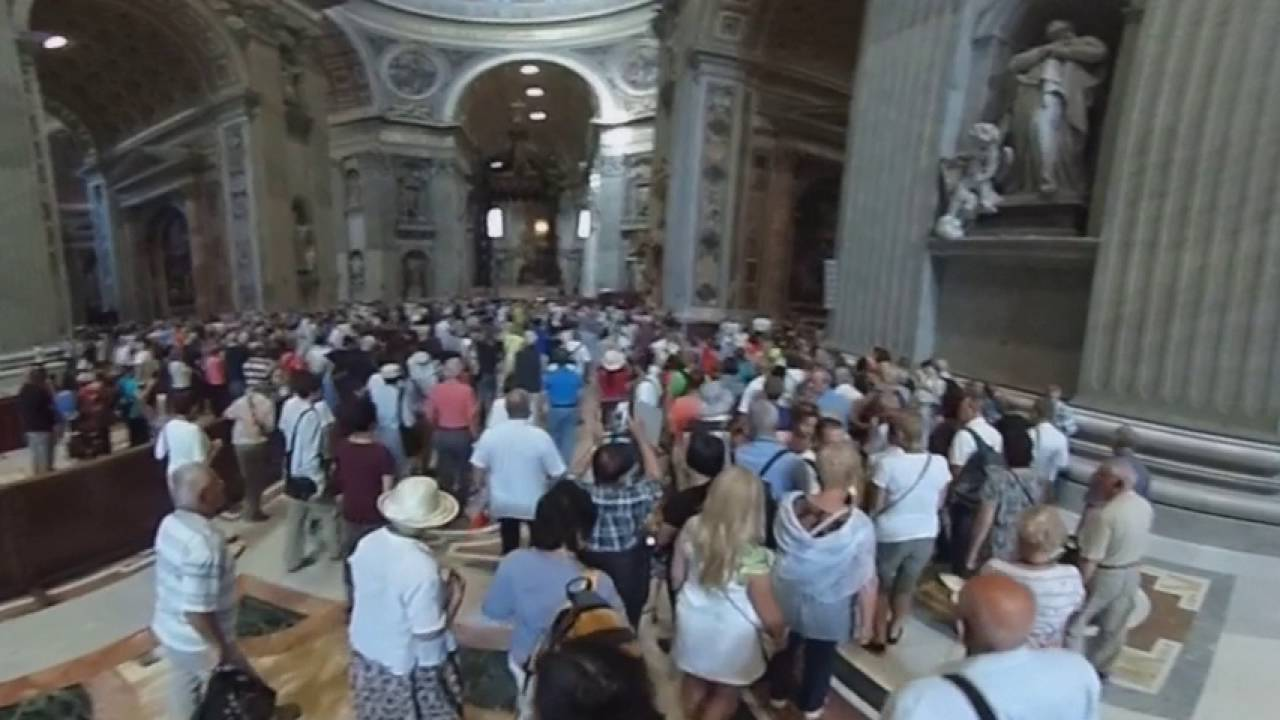 Walking Into St Peters Basilica Rome 360