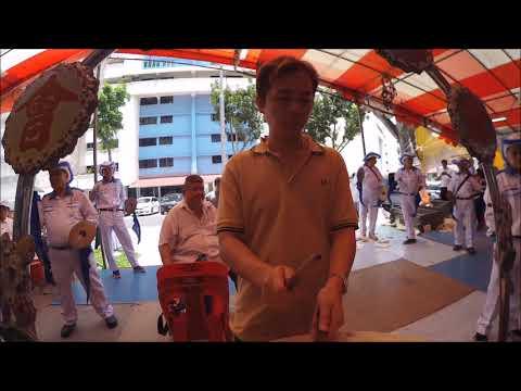 潮州大锣鼓 Drum Master Alfred Chua playing for Sinchew Tan Clan Association.