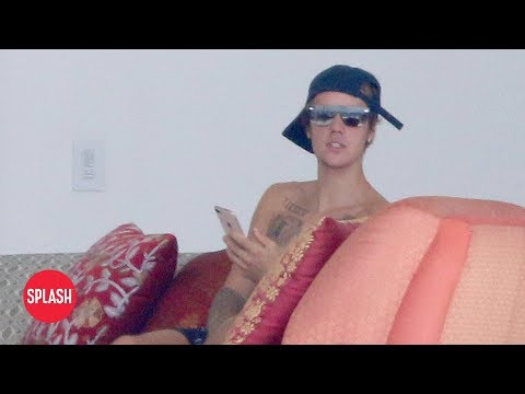 A Shirtless Justin Bieber Vacations in Mexico | Daily Celebrity News | Splash TV