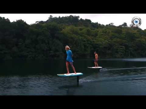 Доска для серфинга парящая над водой 2018 год