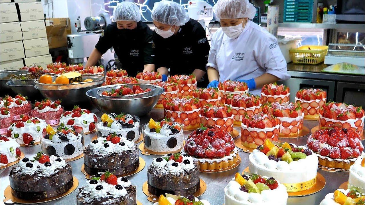 숙련된 케이크 만들기 기술! 순식간에 만드는 엄청난 양의 케익 Amazing skills! Making various types of cake - Korean street food