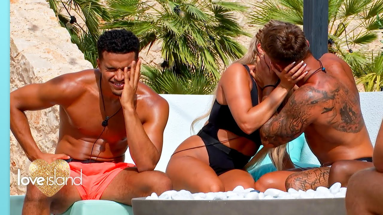 FIRST LOOK: Casa Amor competes with the villa in Raunchy Races! | Love Island 2021