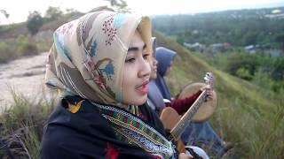 Lagu Aceh Rafly - Seulanga Cover (Aprilia And Friends)