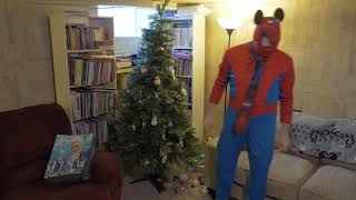 Spiderman Pour Blue Goo in Cup and Celebrates Christmas Funny Family Fun Elsa Froze